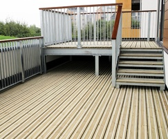 Smooth decking for balconies
