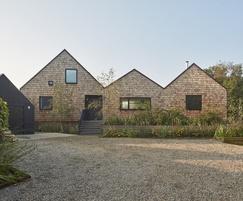 JB shingles used at an award-winning waterside home
