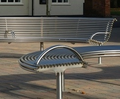Benchmark street furniture - Curved CL007 bench