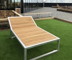 Benchmark street furniture - Campus Lounger