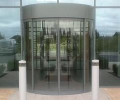Minimalist entrance, De Soutter medical HQ