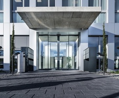 Secure+Therm automatic entrance system from TORMAX