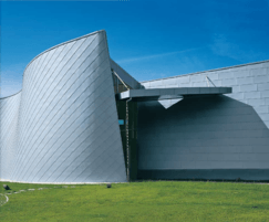Zinc angled standing seam for facades