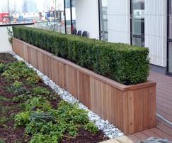 Diplomat barrier planter in FSC Iroko
