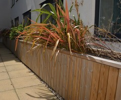800mm high Diplomat planter walling
