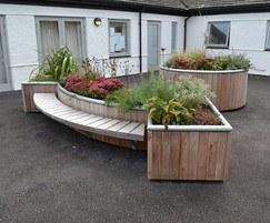 Castleton planter with Spalding bench FSC iroko