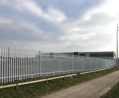 Lochrin Bain's Combi™ palisade fencing