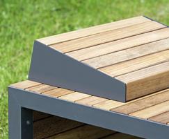 Linares outdoor timber sun lounger