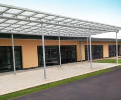 External canopy with drainage