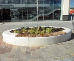 Planter - Serpentine Green retail park