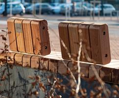 POC - Sturdy bench with backrest