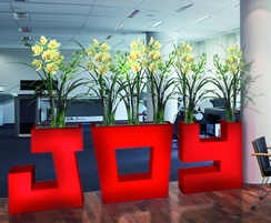 Freestanding, lightweight letter planters in any colour