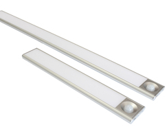The light is available in two lengths (200 or 450mm)
