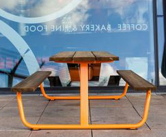 BERG picnic benches - Hamburg Airport