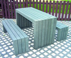 London 100% recycled plastic table and benches - grey