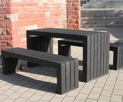 London 100% recycled plastic table and benches - black