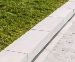 Westfront Nieuwpoort - custom concrete benches