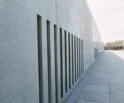Westfront Nieuwpoort - concrete walls with openings