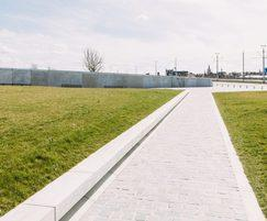 Westfront Nieuwpoort path, concrete benches with LED