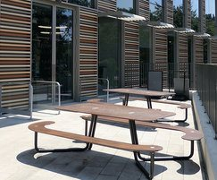 Plateau L Picnic Table