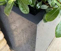 Planters in 1.5mm galvanised steel for longevity