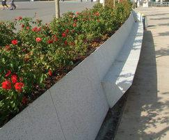 A bench of rhomboid shapes, with or without backrest