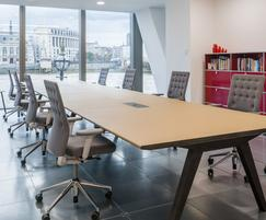 Bespoke sharing work tables at Sea Containers House