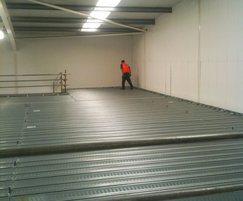 Walk-on modular ceiling