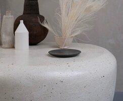 Furn Larusi table