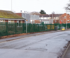 Loatlands Primary Hedge Replaced With Palisade