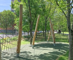 Free-flowing climbing nets, ropes and robinia poles