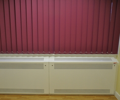 Contour wall-to-wall radiator guard