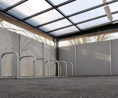 Banner Italia 100 bin and bike store