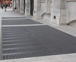 Barrot pedestrian grating - The Strand