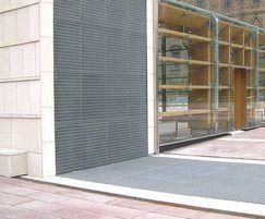 Electrofused floor grating - EF Piazza 25x76 05
