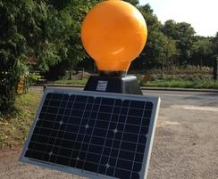 Solar powered sign light unit