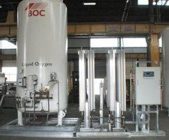 Skid mounted oxygen tank, vapouriser and control panel