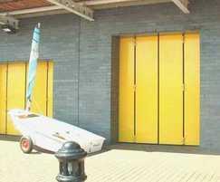 Thermafold 1000 insulated bi-fold doors
