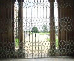 Collapsible gates - Witley Court