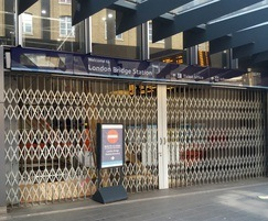 Collapsible gates - London Bridge