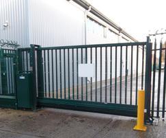 LoTracker sliding gate