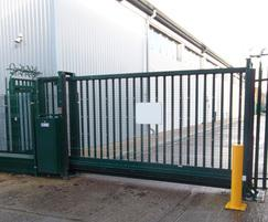 LoTracker sliding gate