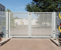 Frontier Pitts: LPS1175 Platinum range of automatic gates