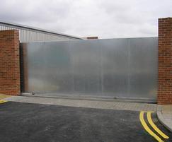Solid cantilevered sliding gate