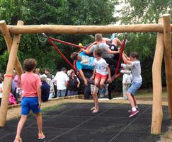 Nest swing, Weedon Park