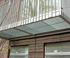 Mesh gratings used for residential balcony