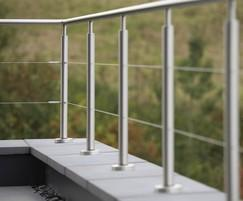 B20 balustrading with wire infills