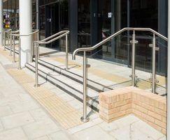 B10 handrail system