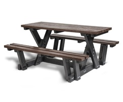 Hero Access picnic table, recycled plastic