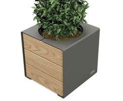 Primium planter - steel with timber cladding